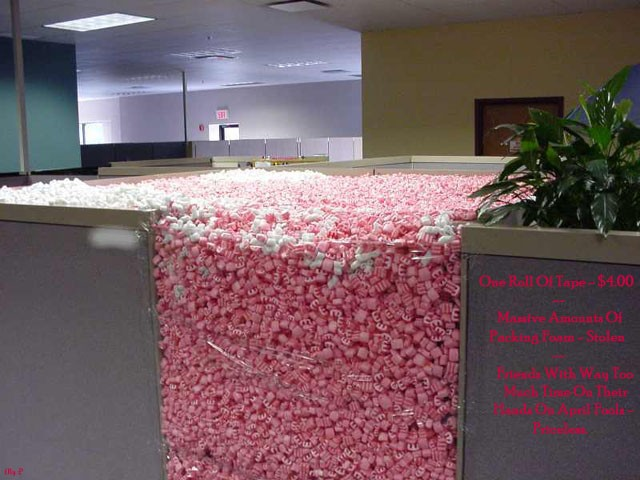 Packing Peanuts Cube Image Seven