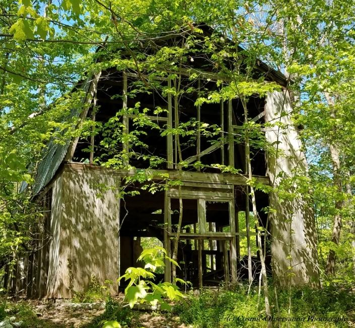 Abandoned Barn Image